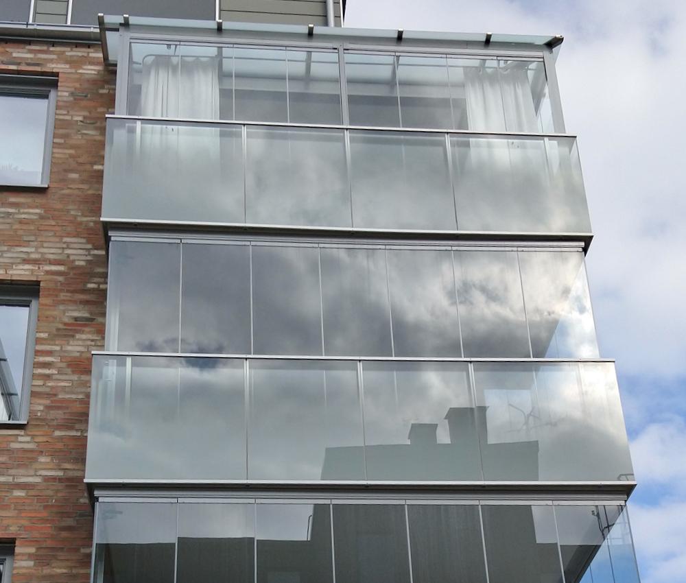 Inglasning av balkong av Montal AB