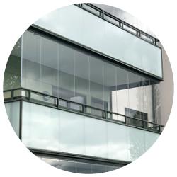 Inglasning av balkong med Montal Sky, av Montal AB.